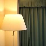照明でおしゃれな寝室に! 快眠できる光色やおすすめの種類を解説